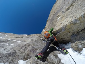 Darren Vonk starting up a difficult and runout pitch on our Four Horsemen attempt